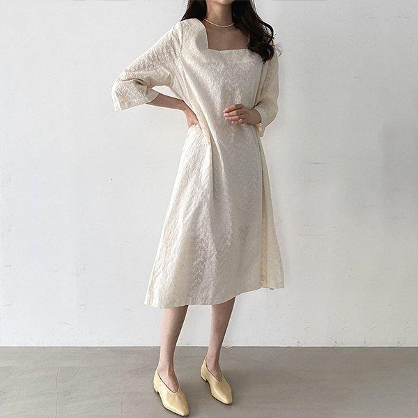 104 리라펀칭스퀘어원피스 DIRD351 도매 배송대행 미시옷 임부복