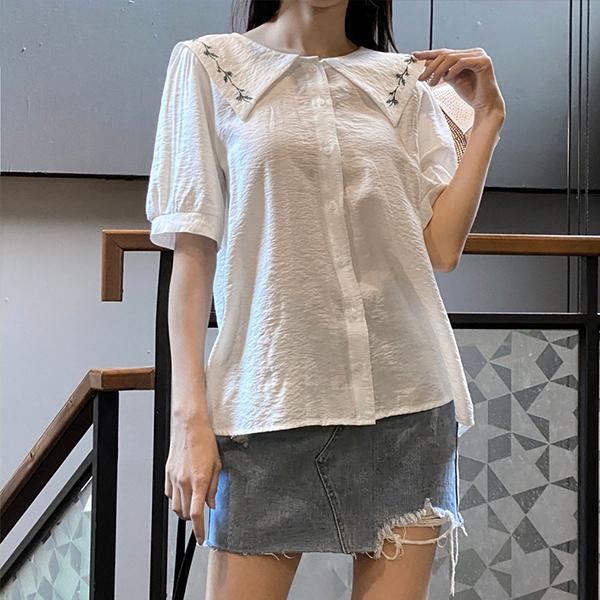 107 소매퍼프자수블라우스 DWBE500 도매 배송대행 미시옷 임부복