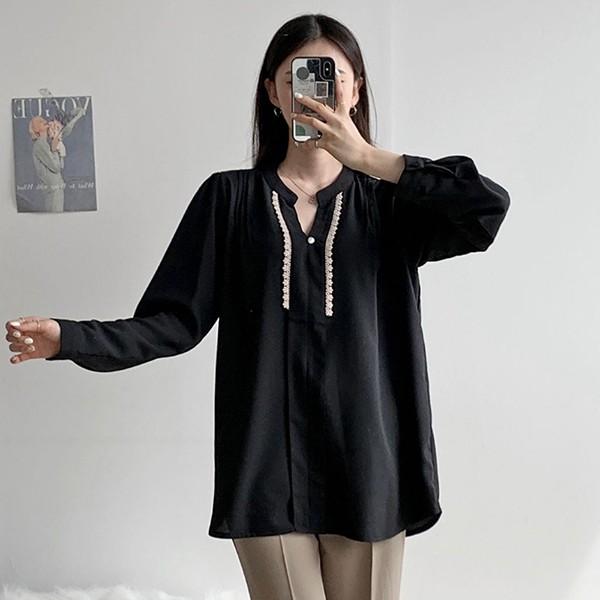 110 심플오픈펀칭블라우스 DDBE879 도매 배송대행 미시옷 임부복